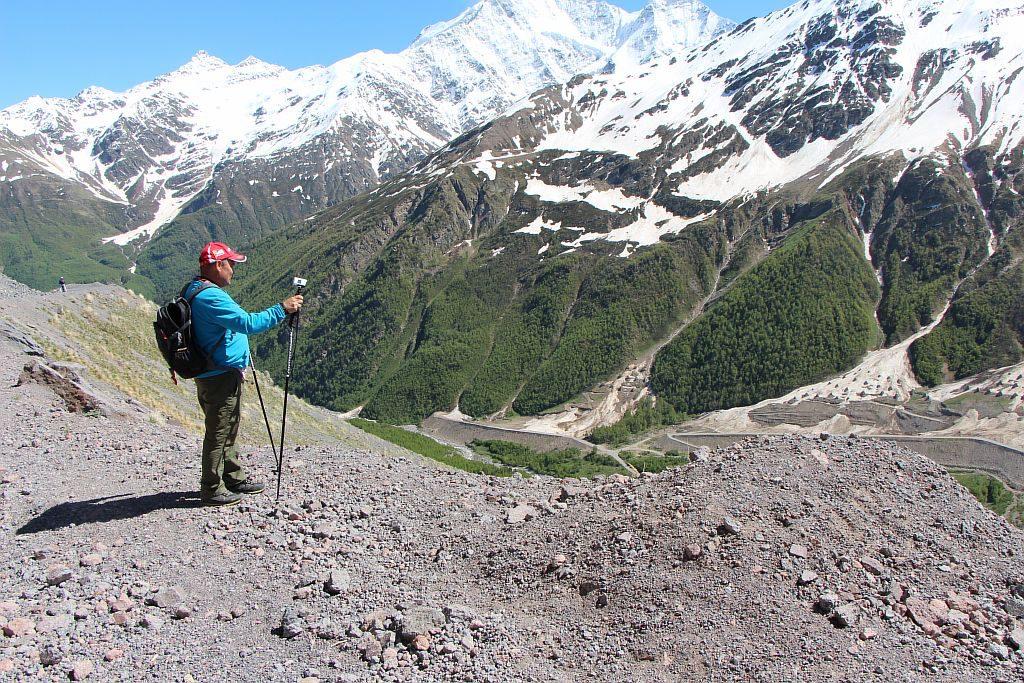 Вид сверху на гору Чегет