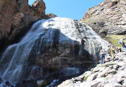 Водопад Девичьи косы.