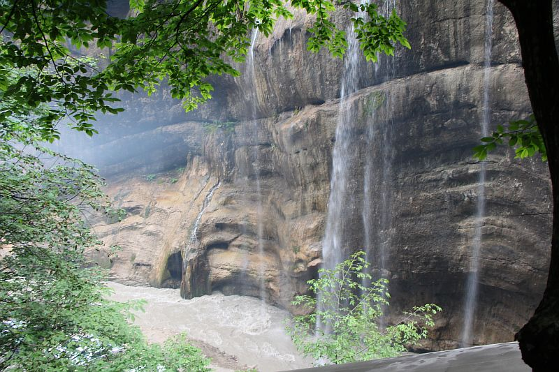 Водопад Каяарты, река Чегем.
