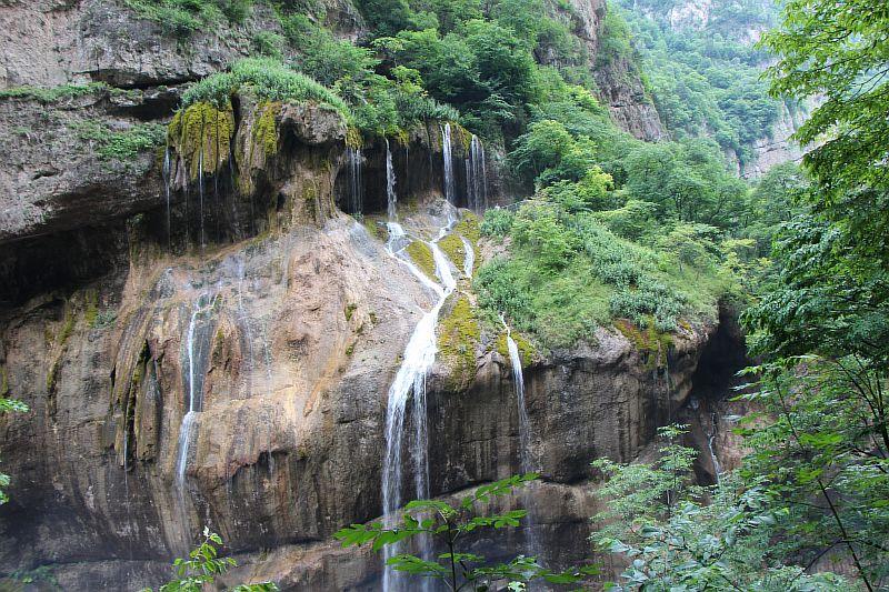 Каскад Чегемских водопадов.