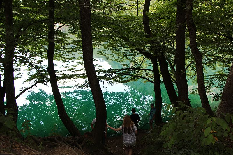 Отдыхающие на Голубом озере.