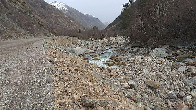 Дорога в Баксанском ущелье