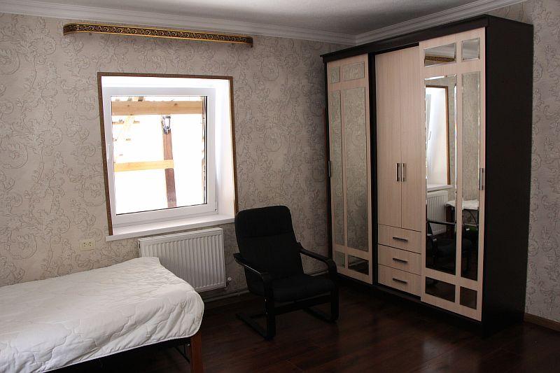Шкаф в трёхместном номере