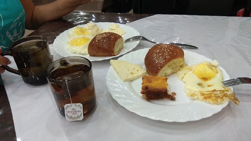 Завтрак в отеле.