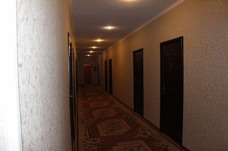 Коридор на первом этаже.