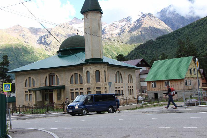 Мечеть в центре Терскола.