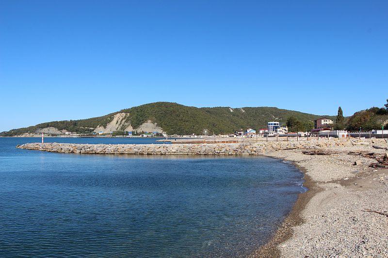 Пляж в Лермонтово.