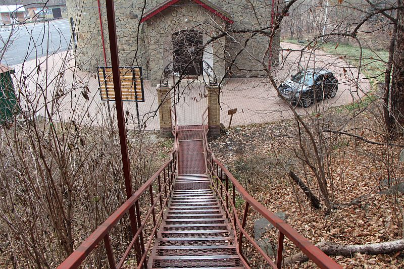 Лестница ведущая к лику Христа