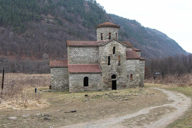 Средний храм