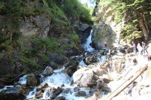 Белый водопад